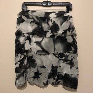 NY&Co black & white tiered skirt